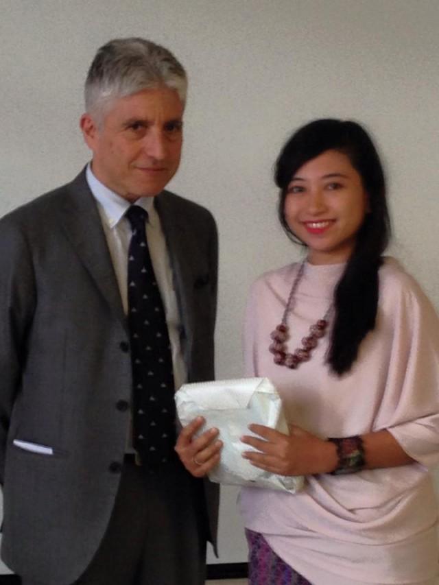 Prof. Maurizio bersama Yanita Milla