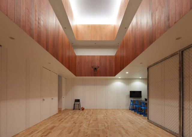 Basketball-Court-House_Koizumi-Sekkei_Shizuoka_Japan_dezeen_1568_11